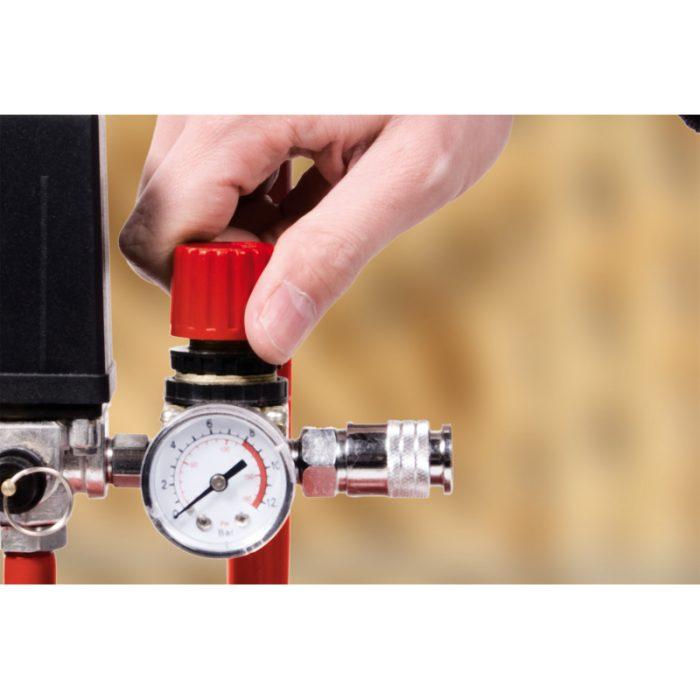 Compressore in uso manometro