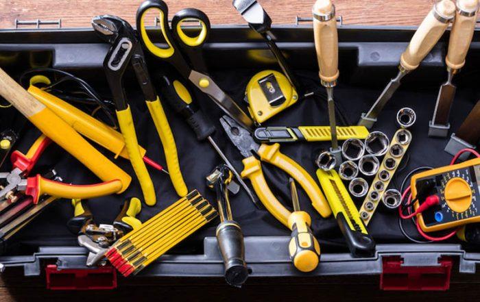 gli utensili che non dovrebbero mai mancare tua cassetta degli attrezzi
